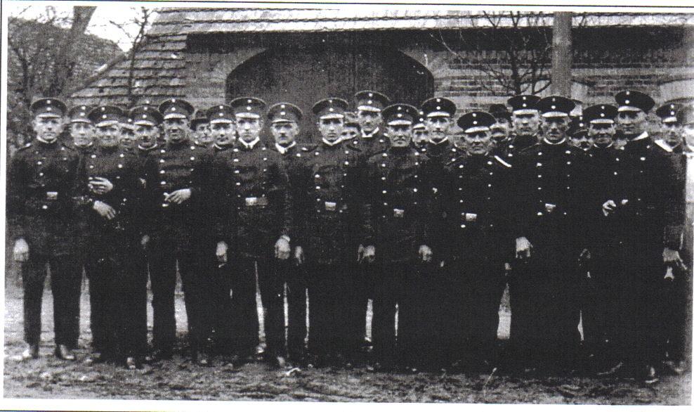 Mannschaftsfoto der Feuerwehr Schleife, ca.1928